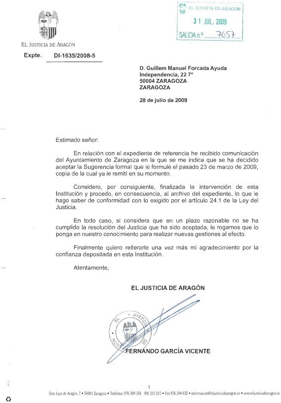 Retirada la bandera de España de la plaza de Aragón de Zaragoza